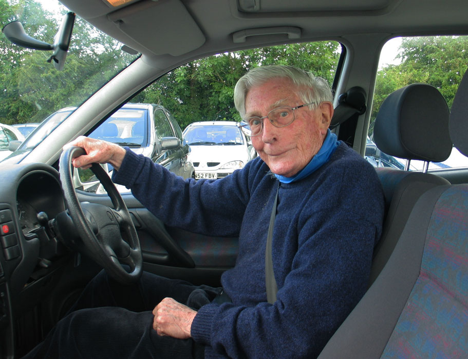 Sinclair Hood in his car (July 2009).