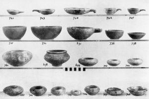 Koumasa, stone vases.