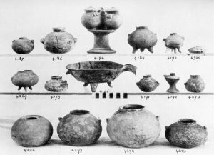 Koumasa, clay vases (E.M.I and II).