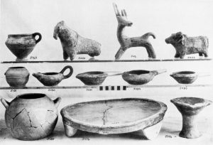 Porti, clay objects (M.M.I).