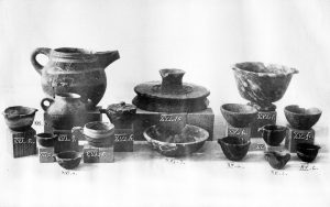 Stone and clay vases from Tombs XV and XVI. Scale about 2:7.