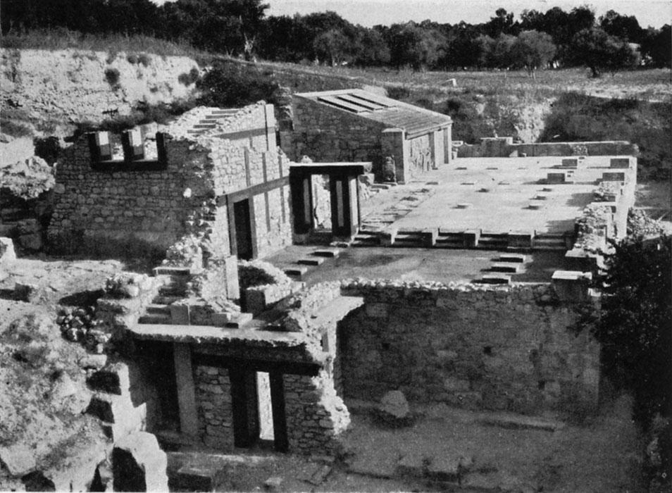 <p>J. Pendlebury, <em>The Archaeology of Crete</em> (1939), pl. XΧXI1</p>