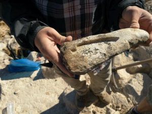 Unusually sophisticated prehistoric monuments and technology in the heart of the Aegean